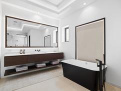 22. master bath 2.jpg