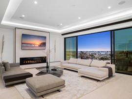 14. upper living room 2.jpg