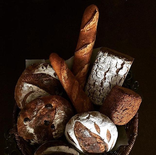 sağlıklı ve lezzetli ekşi maya ekmekler