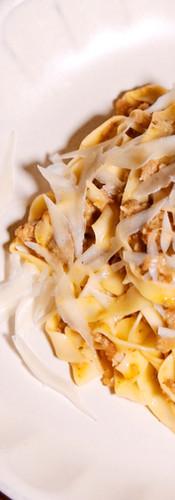 tagliatelle bolognase  / 自家製 タリアテッレ 手打ちパスタの白ボロネーゼソース