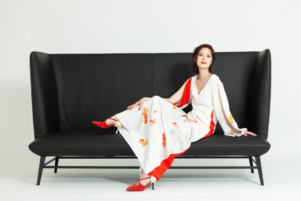 2019 Summer Collection <家具とドレスが織り成すモード>