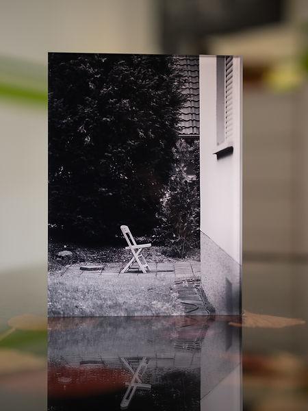 SALE OUT GARDEN I  - Echter Fotoabzug   hinter 4mm Acrylglas   auf 2mm AluDibond   inkl. Aufhängung von Alexander Kästel