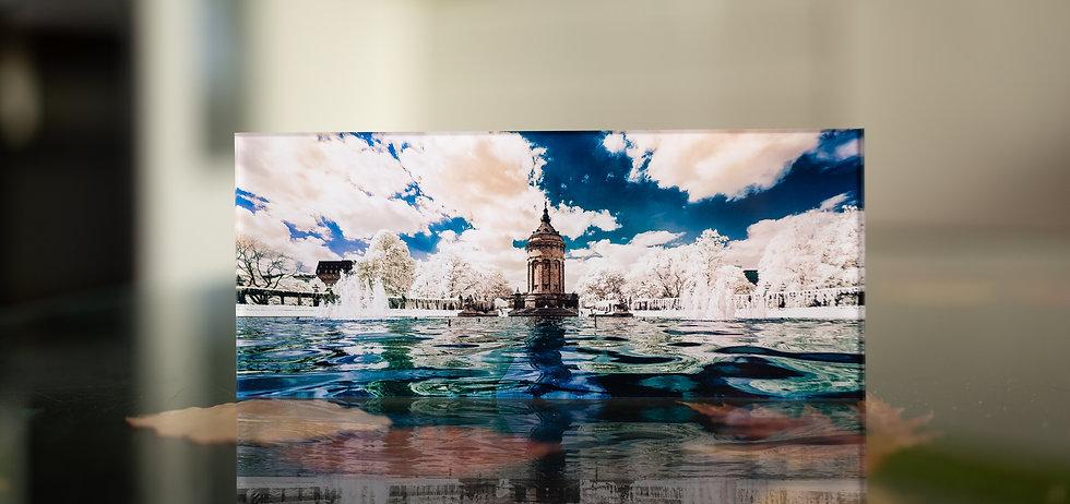WASSERTURM IN INFRAROT - Echter Fotoabzug   hinter 4mm Acrylglas   auf 2mm AluDibond   inkl. Aufhängung von Alexander Kästel
