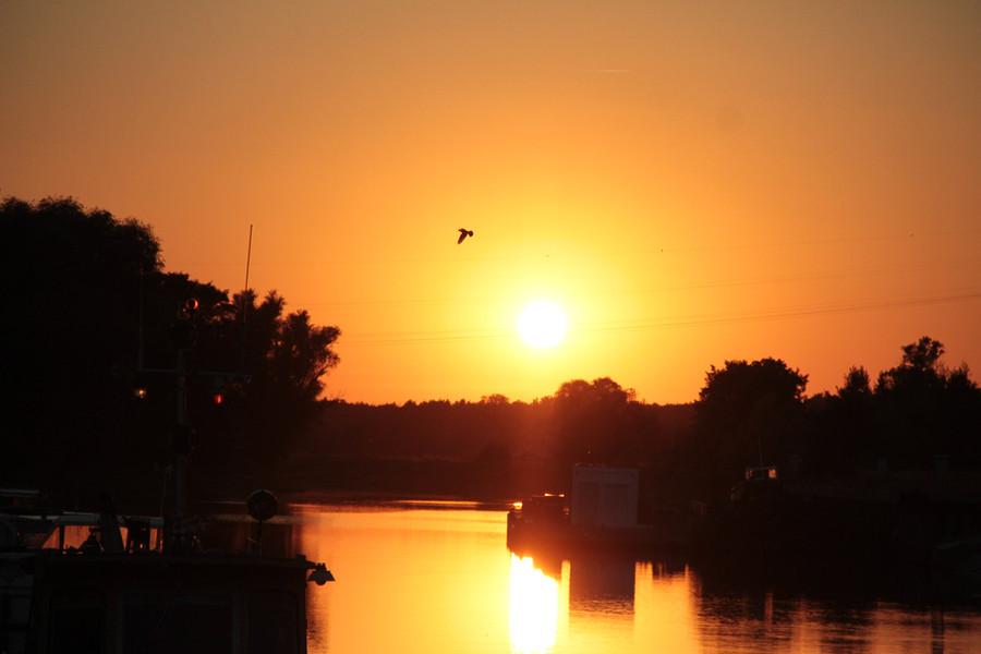 Zachód słońca w Cigacicki porcie