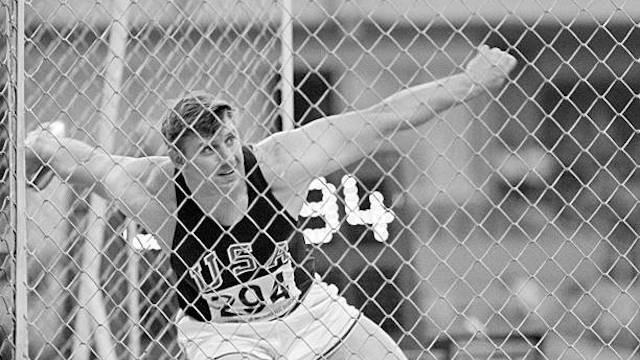 Al Oerter, breaking Olympic Discus record, 1968