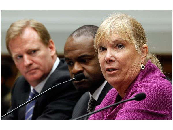 (R to L) Gay Culverhouse testifies alongside DeMaurice Smith & Roger Goodell