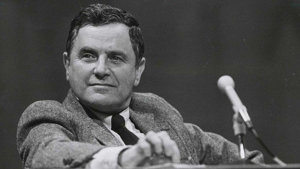 Newsday Sports Columnist Stan Isaacs (1929 - 2013)