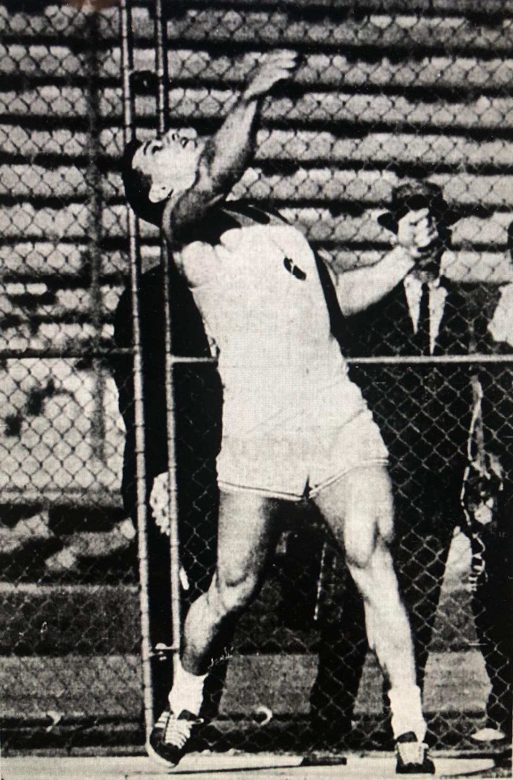 Al Oerter breaks the 200 foot discus barrier (05/18/1968)