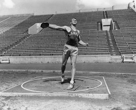 Al Oerter training at the University of Kansas