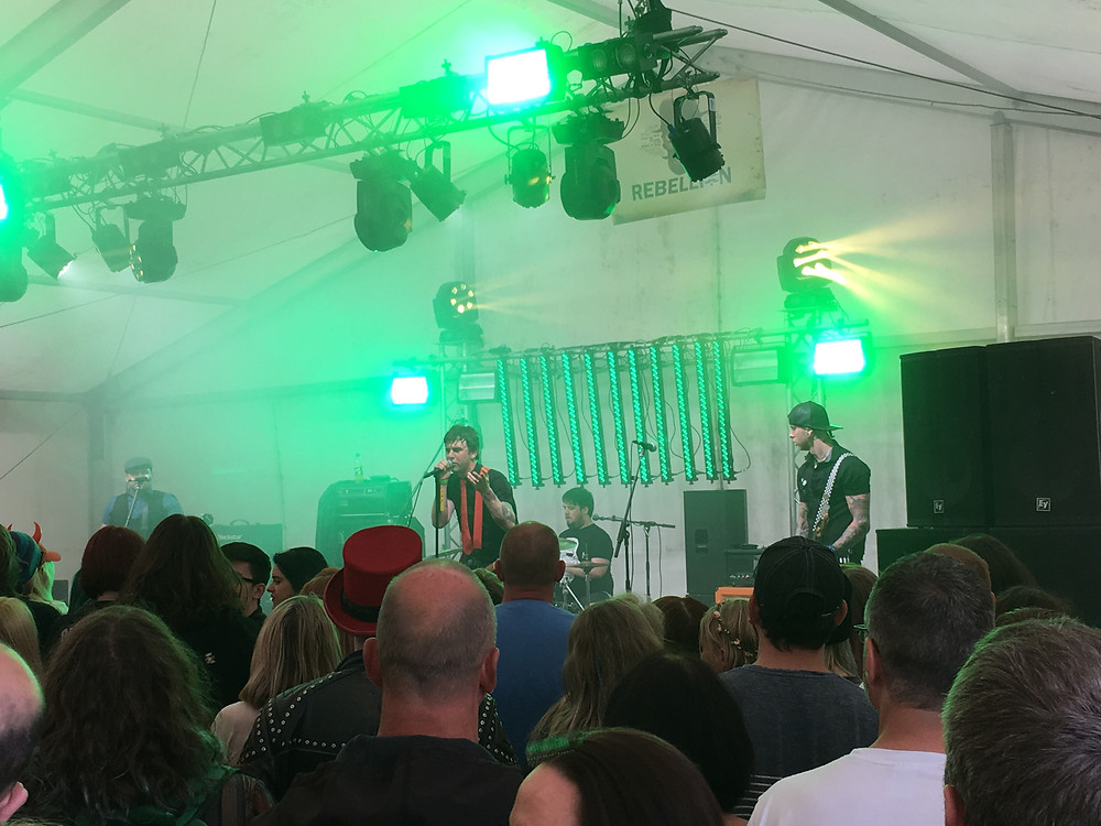 Green Days perform at Festwich