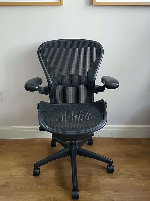 HERMAN MILLER AERON ERGONOMIC OFFICE CHAIR SIZE B FLIPPER ARMS