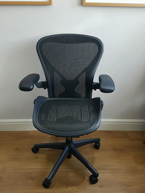 EX-DEMO 2016 Herman Miller Aeron Ergonomic Office Chair With Posture Fit