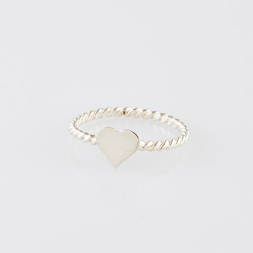 Twist Heart Ring