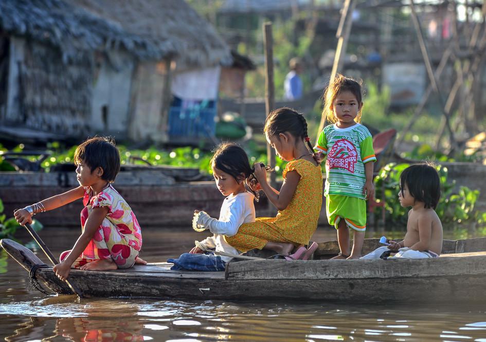 Kids in Kampong Chhnang, Cambodia