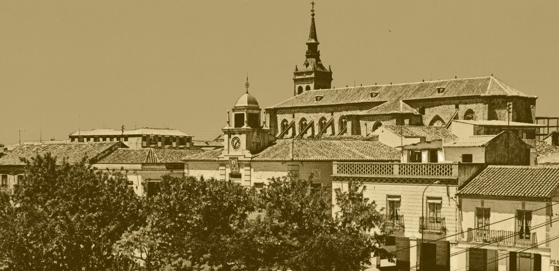 La Colegiata de Torrijos y Plaza de España