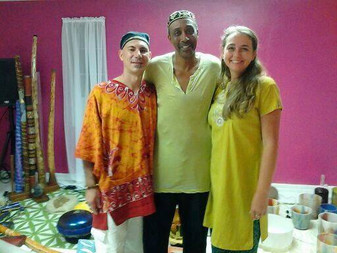 Hanging out with Paradiso & Rasamayi after there Awesome Sound Healing Session.