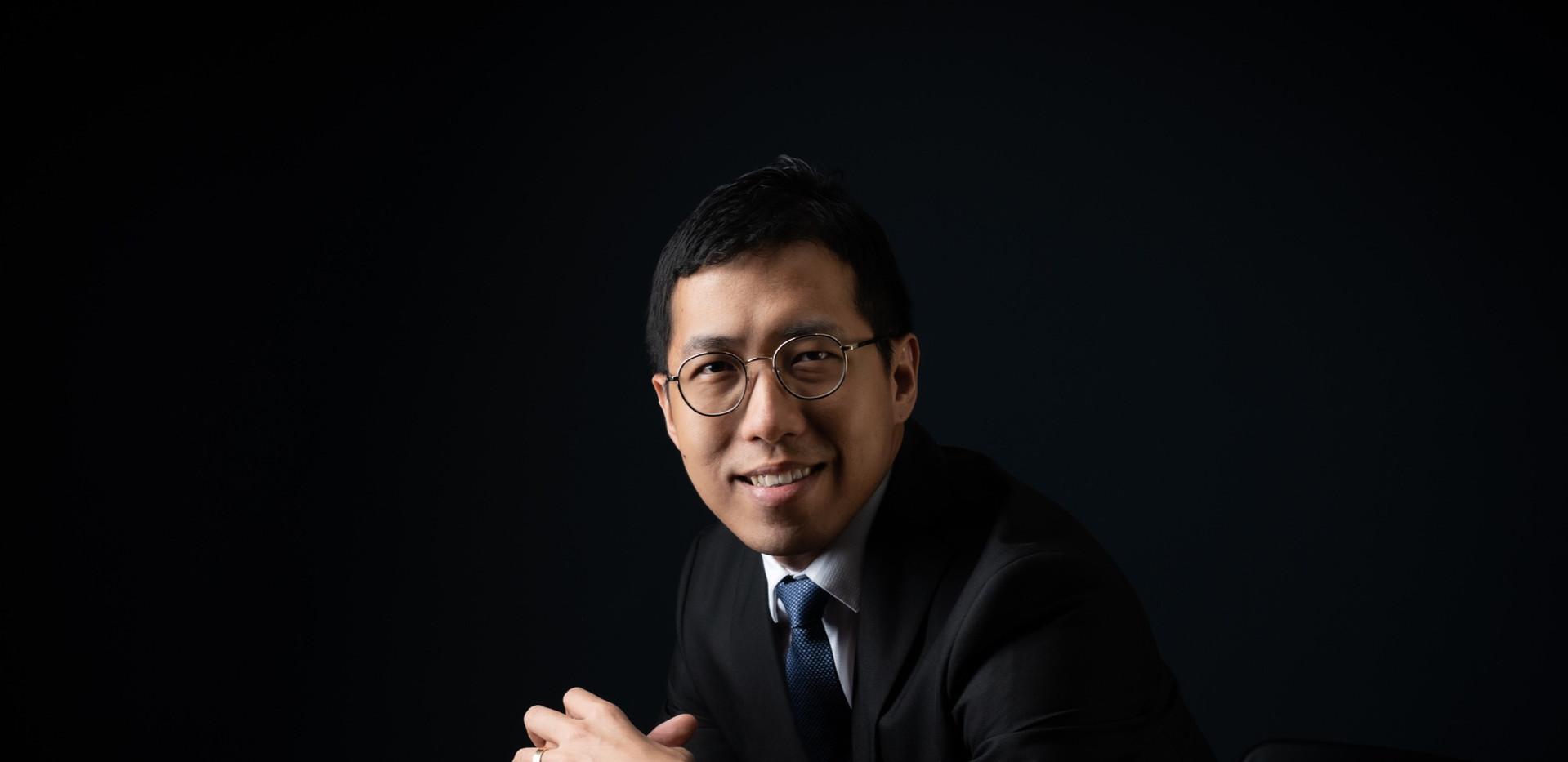 Dex Tan, Associate Director