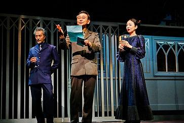 Polonius at center OFFICIAL HAMLET TOKYO