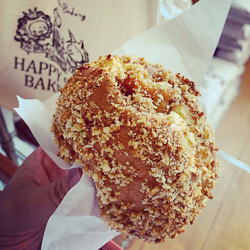 ●チキンカツカレーパンChicken Katsu curry bun