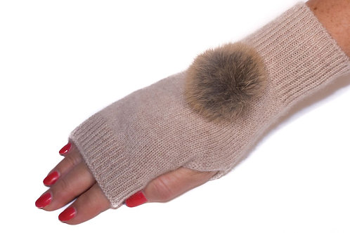 'Maddie' Gloves - Beige - Natural Colour Poms