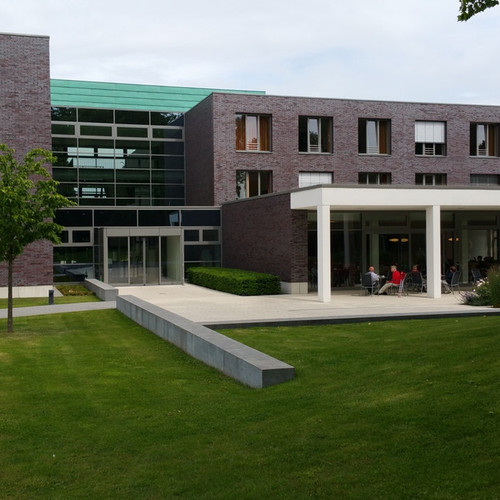 architecture-buildings-center-263399.jpg