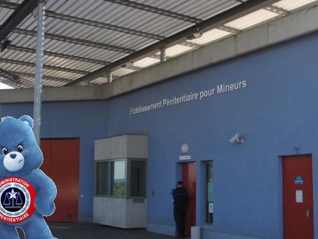 Prison de Porcheville : Activité Hebdomadaire : AGRESSER DU BLEU !!!