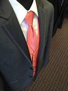 suit-584437_640.jpg