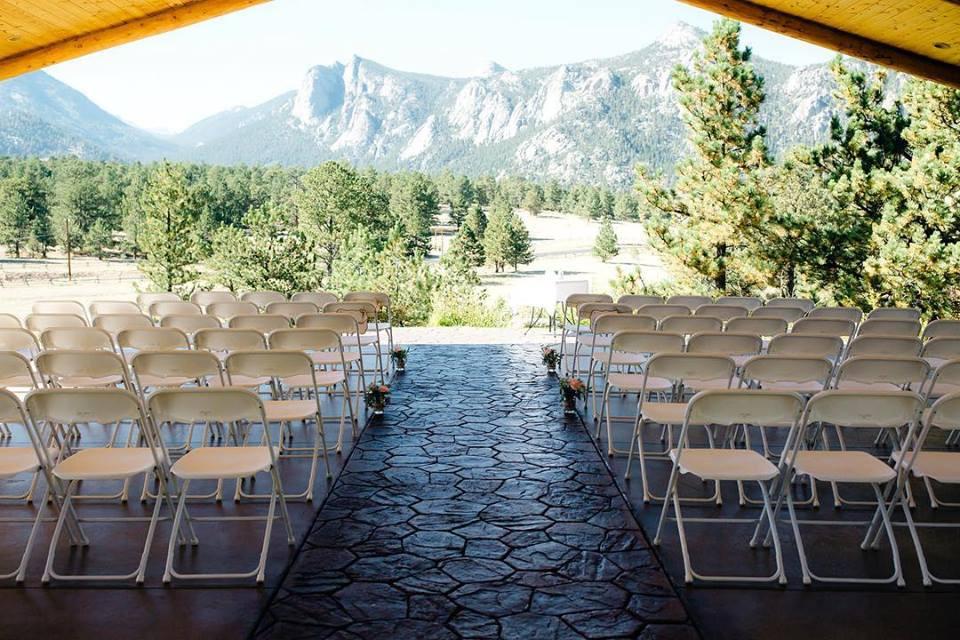 The Black Canyon Inn Ceremony Site.jpg