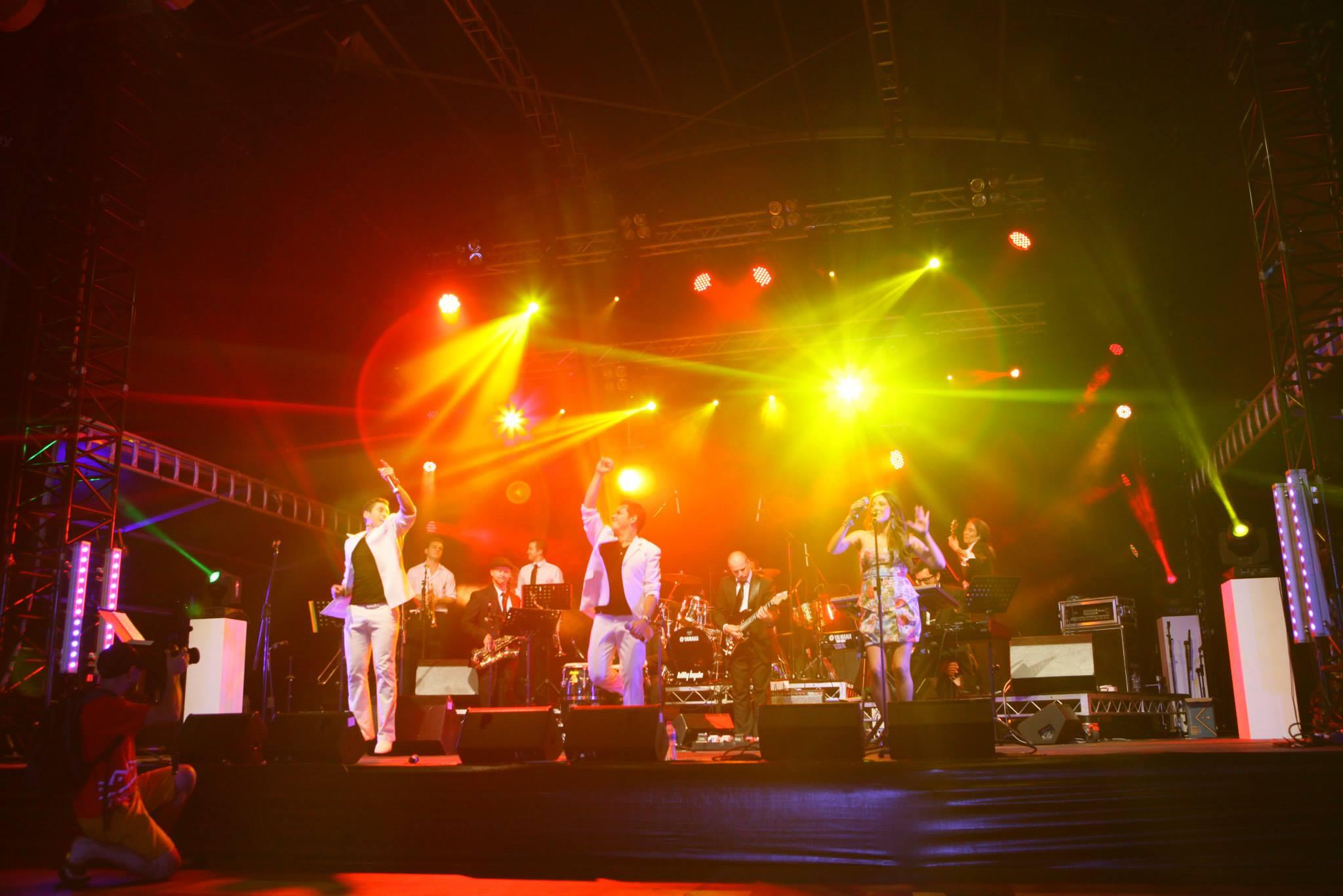 Salsa Kingz Band at Fiesta 2013.jpg