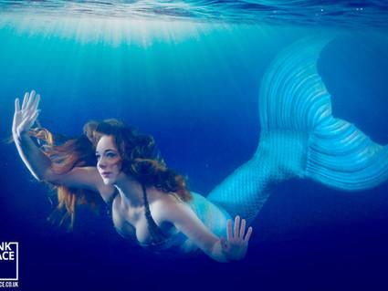 Tank Space Photoshoot at Mermaid Cove!