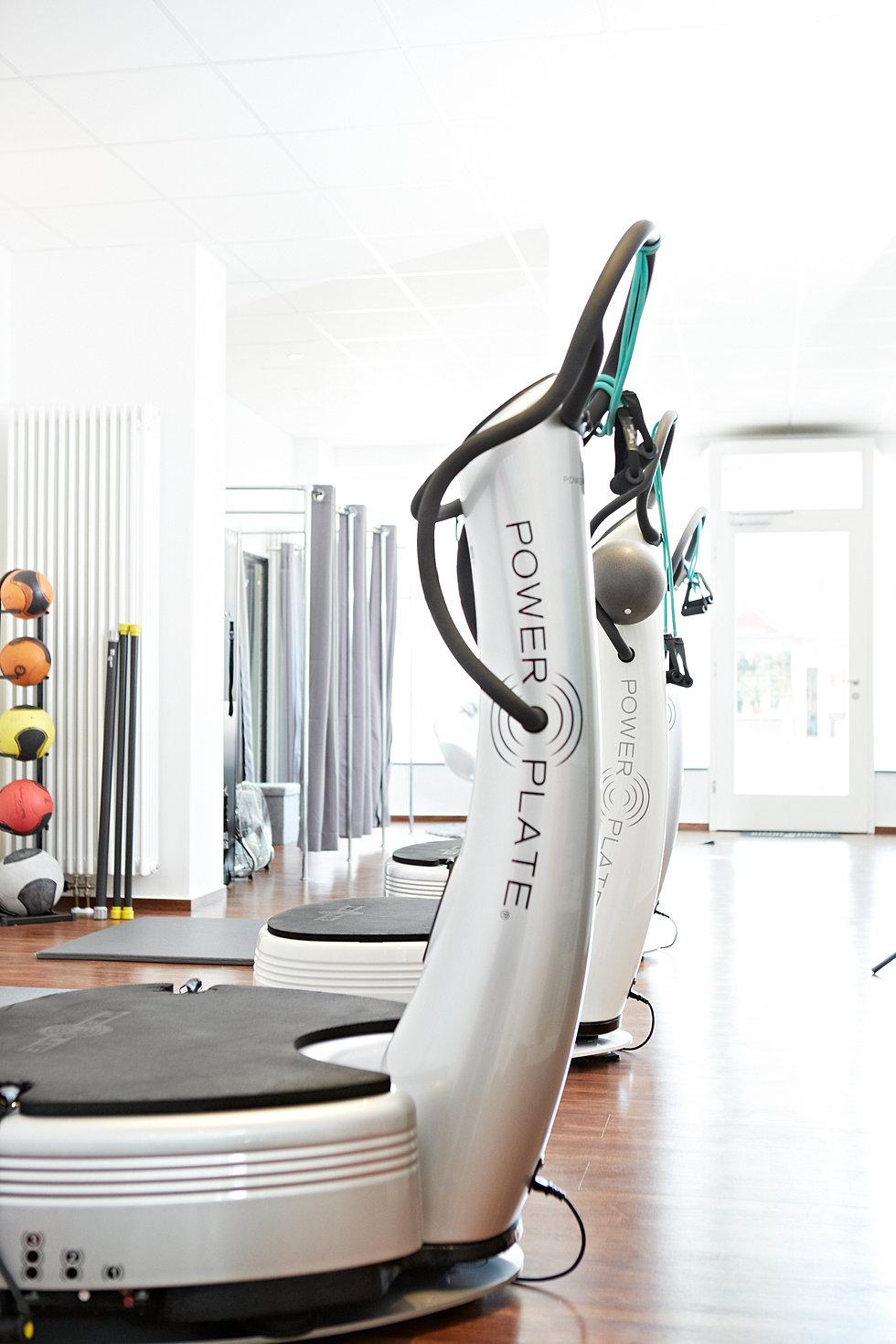 sports royal training lounge power plate training hannover. Black Bedroom Furniture Sets. Home Design Ideas