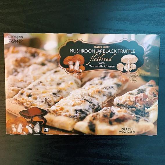 Mushroom Truffle Flatbread: 5/10