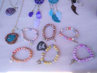 Bracelets fantaisie.jpg