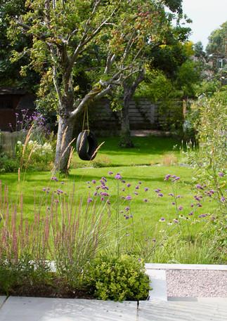 Curvy garden