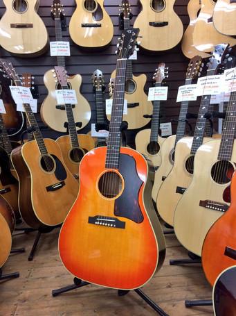 LAST GUITARにてTears Guitar 2本販売開始!!