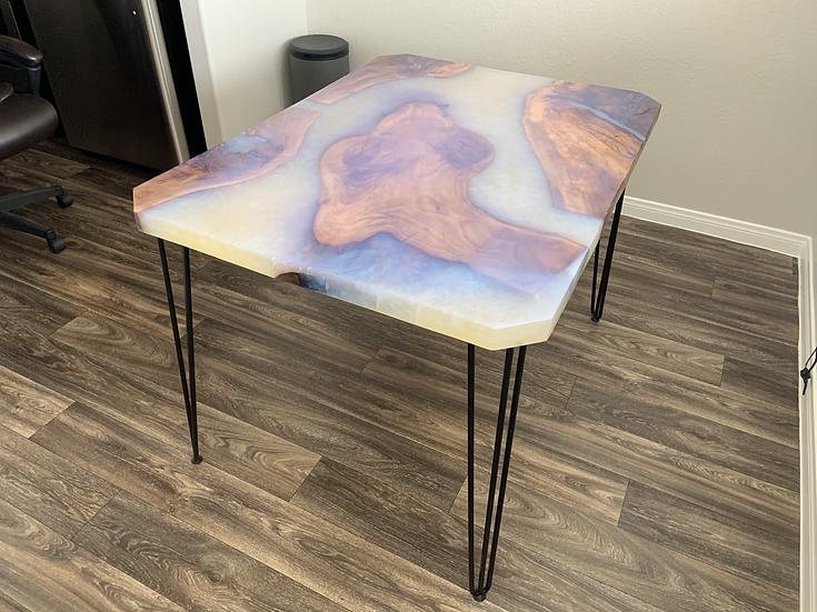 Yellowstone River 4' x 3' Dinner Table