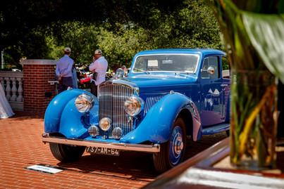 1939 Bentley 4.25L VanVooren Pillarless 2.jpg
