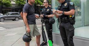 סנטה מוניקה - קליפורניה: המשטרה אוכפת את איסור הרכיבה בכלים חשמליים על שבילי אופניים
