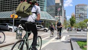 במענה לתאונות דרכים בהן נפגעו רוכבים מאמצות עיריות ניו יורק ואטלנטה תוכניות להגברת הבטיחות