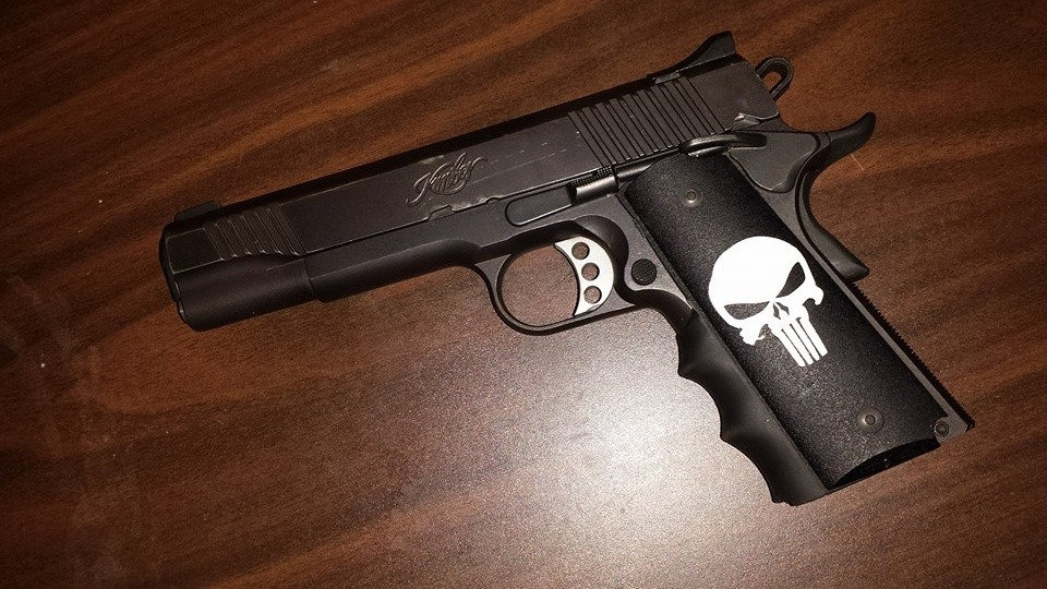 FULL-SIZE GRITTY 1911 PUNISHER GRIPS - WHITE ON BLACK