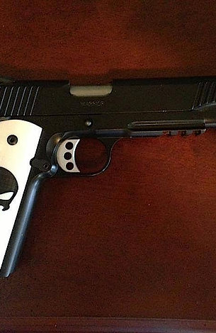 FULL-SIZE SMOOTH 1911 PUNISHER GRIPS - BLACK ON IVORY