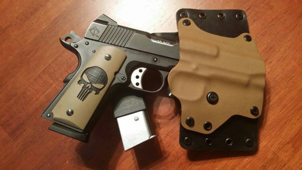 GRITTY 1911 PUNISHER GRIPS - BLACK ON COYOTE