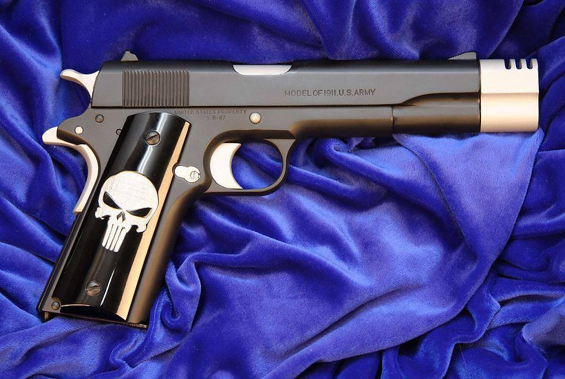 SMOOTH 1911 PUNISHER GRIPS - WHITE ON BLACK