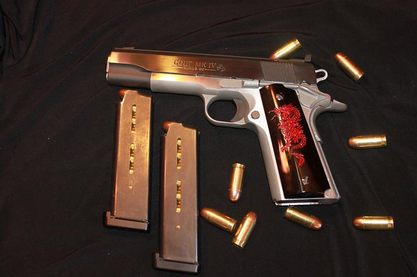 FULL-SIZE SMOOTH 1911 RED DRAGON GRIPS