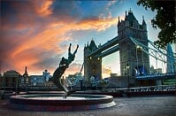 DOLPHIN STATUE WITH TOWER BRIDGE by Davi