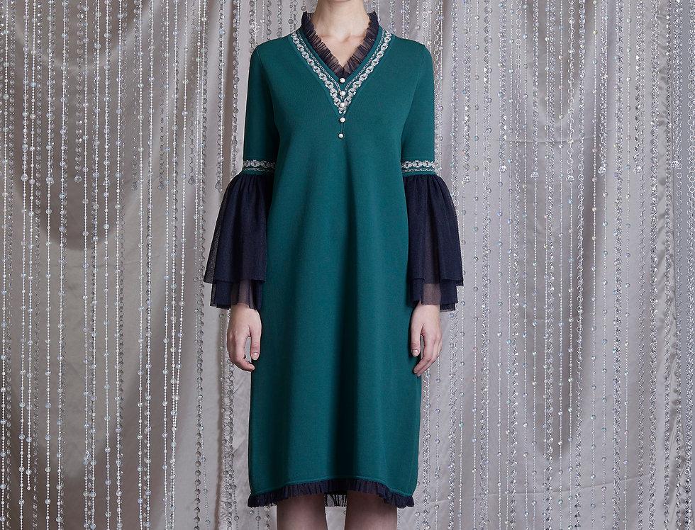 Emerald V-neck knitted dress