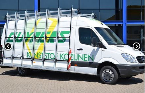 Mercedes bus met glasrasteel