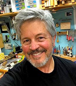 Mark Roberts ukuleles. Custom ukuleles. Ukulele Testimonials. Ukulele Site.