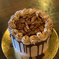 Chocolate Caramel Pecan Buttercream Cake