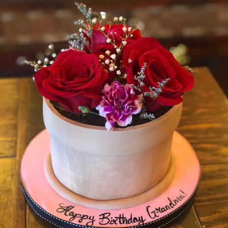 Sweet Bouquet Flower Pot Cake